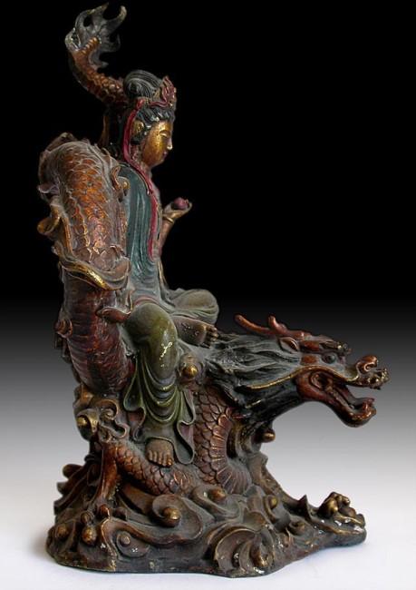 kuanyin on dragon-buddha museum